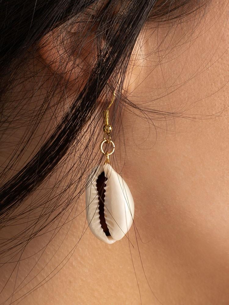 LONG SEA SHELL EARRINGS
