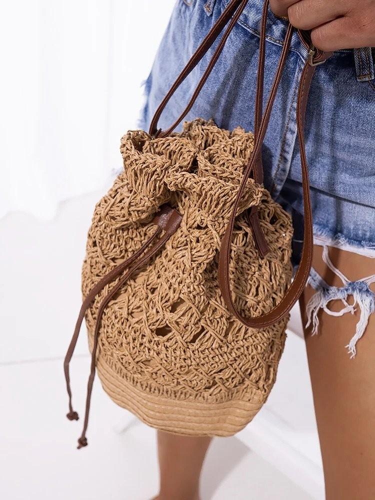 AVERY CAMEL STRAW BAG
